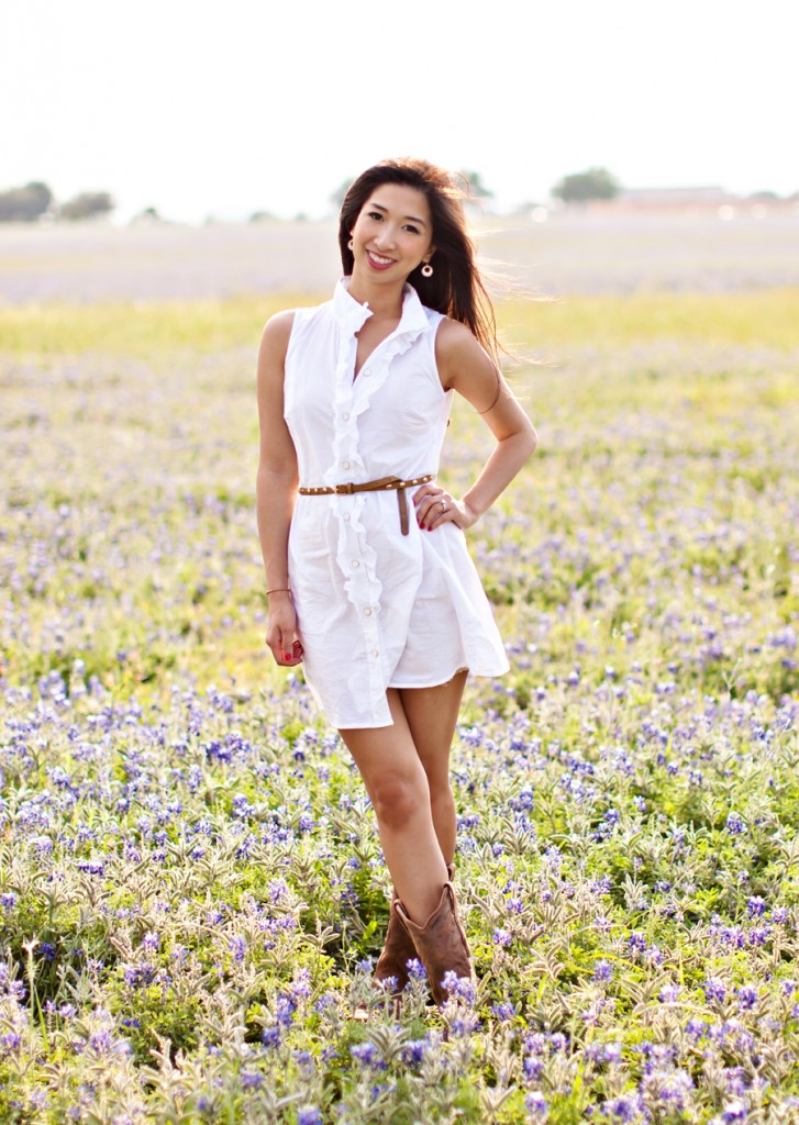 Lynn in Love Photo, Dallas Lifestyle Photographer in bluebonnets